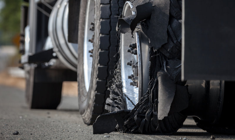 Prevent failed truck tyres - use TyreWatch connected tyre technology